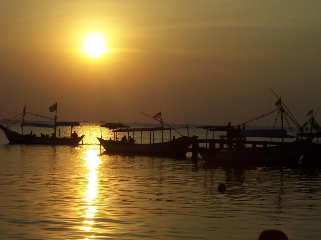 Pantai-Kartini-Jepara-1024x768